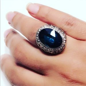 Beautiful Blue Sapphire Fashion Ring Silver Tone